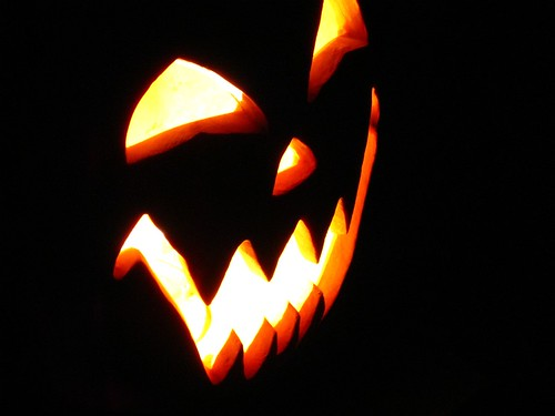 halloween pumpkin at night