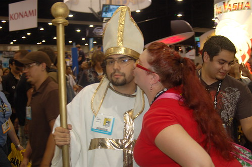 Comic Con 2007: Kissing the Pope