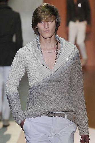 Demy Matzen3051_SS11_Milan_Gucci(VOGUEcom)