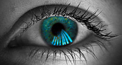 Blue Eye (Bernardo de Garay) Tags: blue eye cutout lafotodelasemana blueeye colorphotoaward bernardodegaray lfs062007