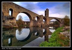 Besalu - Pont Medieval ( Pere Soler) Tags: bridge puente lafotodelasemana pont oldcity besalu scc allrightsreserved braid44 lfs062007 ryc4x2 peresoler