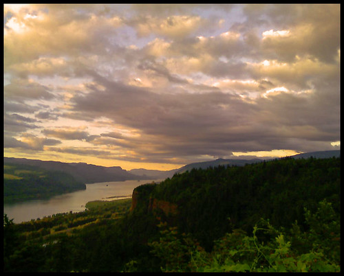 Columbia Gorge and the camera phone