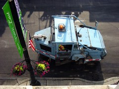 sweeper (lobstar28) Tags: party chicago illinois il afterparty streetsweeper sweeper chicagoil chicagopride2007 pridechicago2007 jessicasplace