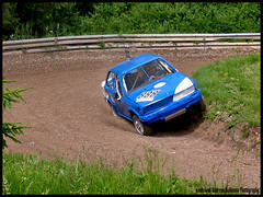 Short Cutting (van heland) Tags: blue white 3 car 1982 4x4 action stock racing german bmw series autocross 888 325 icar ix 2500 2007 abarth trossingen 3car aplusphoto teufelsgurgel