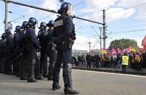 greve police vs manifestants