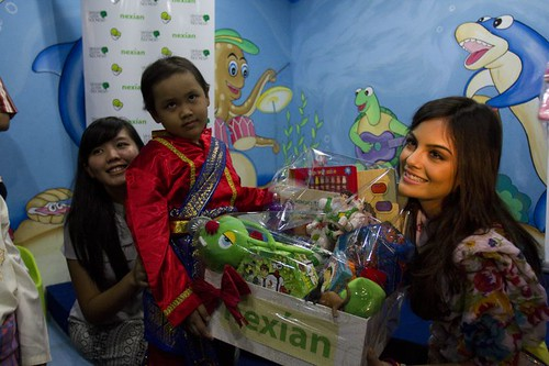 Miss Universe 2010 - Indonesia