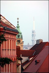 View from Nerudova (Dit is Suzanne) Tags: roof church prague czechrepublic canondigitalrebel kerk praag sintnicolaaskerk nerudova dak hradany televisiontower malstrana tsjechi televisietoren  views50  img1843 28092006  ditissuzanne churchofsaintnicholas  svmikulnamalstran ikovtelevisiontower geo:lat=50088566 ikovtelevisietoren geo:lon=1439724