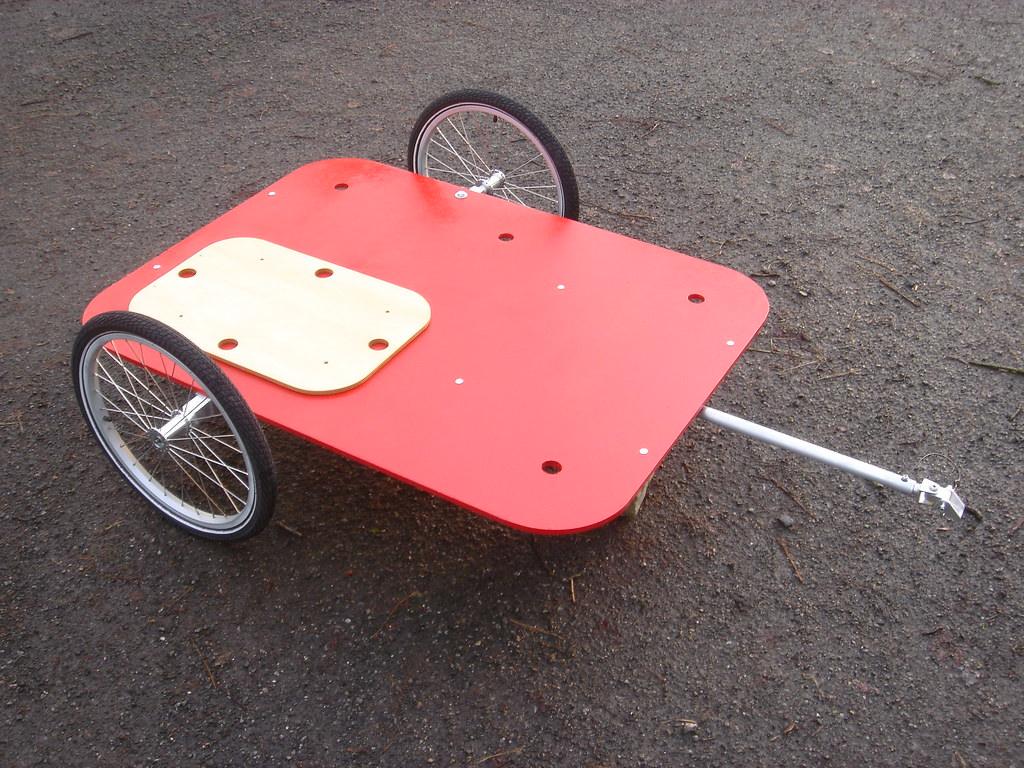 Wheel chair carrying hand cycle trailer
