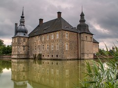 Schloss Lembeck (luzzzelmann) Tags: reflection castle castles monument deutschland decay soe hdr mnsterland denkmal muensterland burgen moatedcastle burgenschlsser moatedcastles 6xp 25faves superaplus aplusphoto holidaysvancanzeurlaub schlsserburgen luzzzelmann