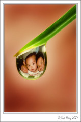 The Boys (Dat The Man) Tags: canon 350d waterdrop refraction droplet blueribbonwinner eow flickrsbest mywinners anawesomeshot superbmasterpiece diamondclassphotographer excellentphotographerawards fiveflickrfavs datnhong dattheman alemdagqualityonlyclub vietbestphoto