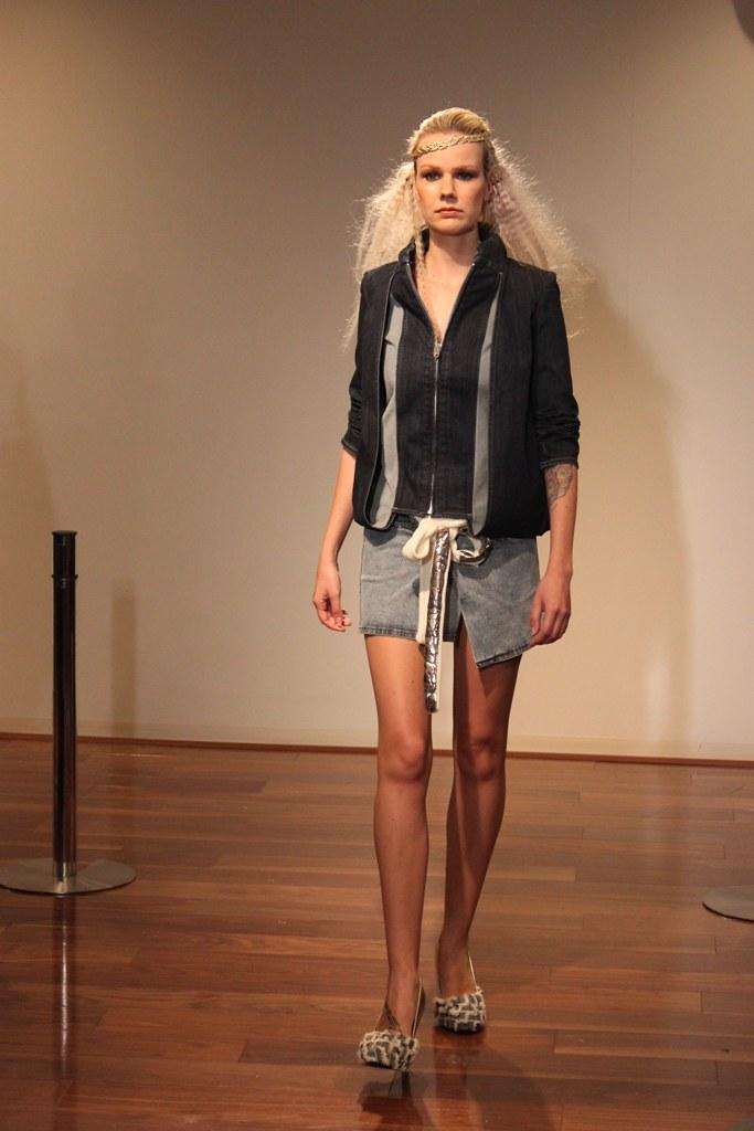 """Naoshi Sawayanagi Collection """"Japan Fashion Week in TOKYO 2010″ (10)"""
