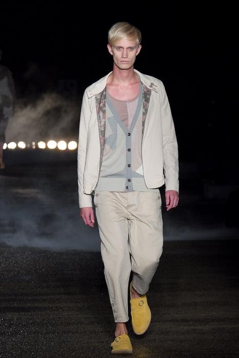 Nicolai Haugaard3065_SS11_Tokyo_Davit MEURSAULT(Fashionsnap)