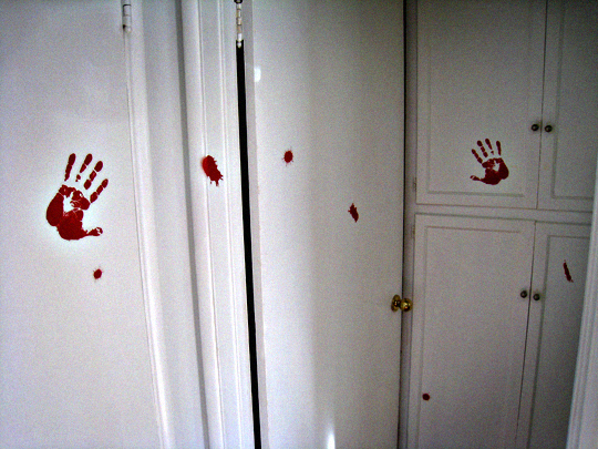 bloody handprints+halloween decorating