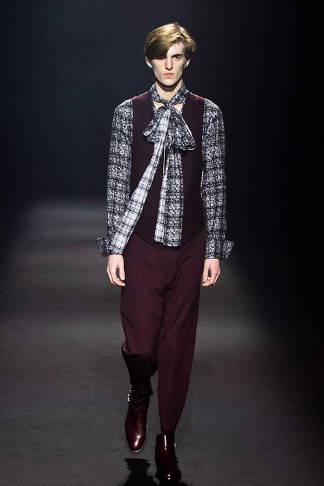 Gabriel Gronvik3080_SS11_Tokyo_Lad Musician(Fashionsnap)