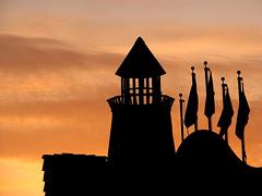 Enchanted Village Sunset (T.D. Ford (Grundlepuck)) Tags: sunset silhouette amusementpark washingtonstate waterpark federalway enchantedvillage wildwaves grundlepuck