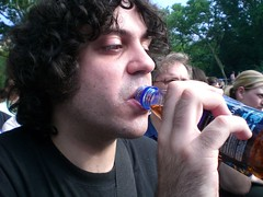 rafe samples some of tiffany's staten island iced tea (eatsdirt) Tags: blurry freeshow rafe centralparksummerstage june2007 statenislandicedtea