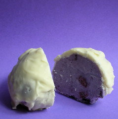 blueberry-white chocolate tartufo