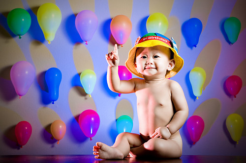birthday balloons wallpaper. I love the alloons and the