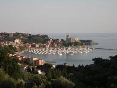 Lerici (rosa maseda) Tags: puerto italia liguria bahia castillo lerici