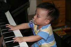 彥彈鋼琴02