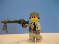 Lego WWII German soldier-Front view (Da-Puma) Tags: soldier lego wwii german brickarms
