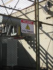 alta tension (cosmonauta86) Tags: peligro alta tension