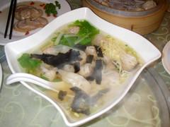 蝦貝鮮肉餛飩