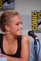 Hayden Panettiere - 28 (drukelly) Tags: tv sandiego scifi conventioncenter heroes comiccon haydenpanettiere timkring