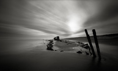 Peter Iredale Wreckage, 30 Seconds (Zeb Andrews) Tags: film beach oregon coast pinhole pacificocean shipwreck pacificnorthwest duotone peteriredale zeroimage pinscape zero69 tacomaartmuseum bluemooncamera zebandrews nwlandscapes zebandrewsphotography