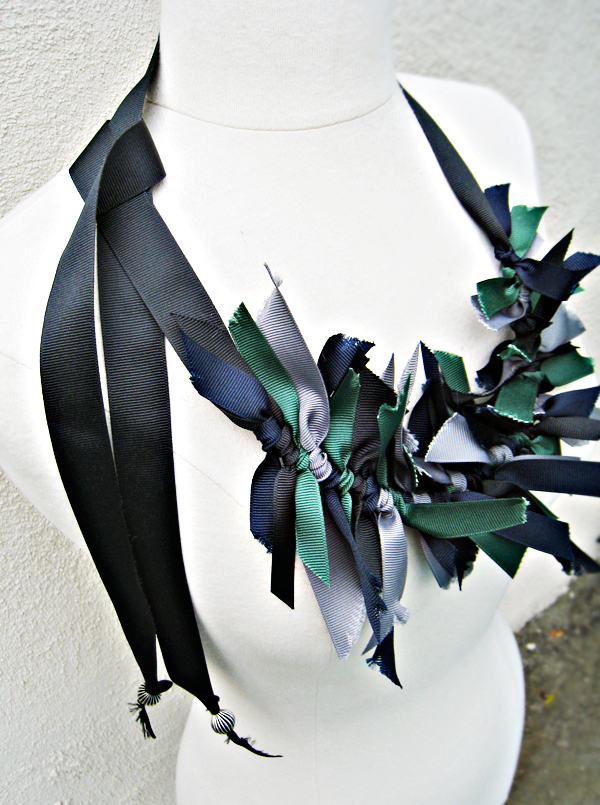 grosgrain ribbon necklace DIY