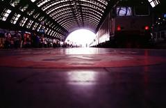 Stazione Centrale (dhinus) Tags: italy kodak milano july trains stazione olympusxa 2007 centrale treni push1 ei200 ebx