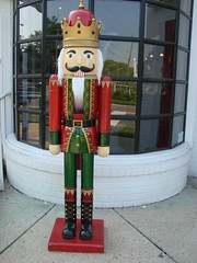 Nutcracker 4208 (mckenzieo) Tags: ballet fantasy wintersolstice childrens crown cracker lifesize whimsical redcoat woodentoy gardenstreet goodneighbor pensacolafl nutcrackerking purplehairedchick trinintycollection diychristmascard 700wgarden fictitiouscharacter forbignuts
