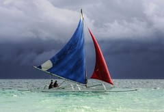 Blue & Red (maciej.ka) Tags: ocean blue red white storm beach sailboat palms boat sand asia paradise barca philippines union dream beachlife insel western sail tropic boracay spinnaker vela bateau isle daydream topsail tropics visayas malay segelboot philipines voilier equator paradiseisland barque pilipinas segel banca banka palay barchetta isola sueno bangka le whitebeach aklan sailingboat ere traum blueocean barcaavela songe desiderio jacht dreambeach insula barke thevisayas batello malayaklan ajba underfullsail aklanphilipines boracayphilipines statekaglowy baleini allstanding spreadthesails