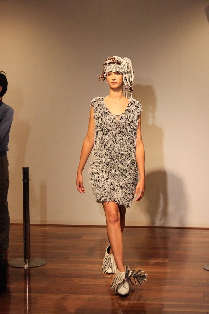 """Naoshi Sawayanagi Collection """"Japan Fashion Week in TOKYO 2010″ (19)"""
