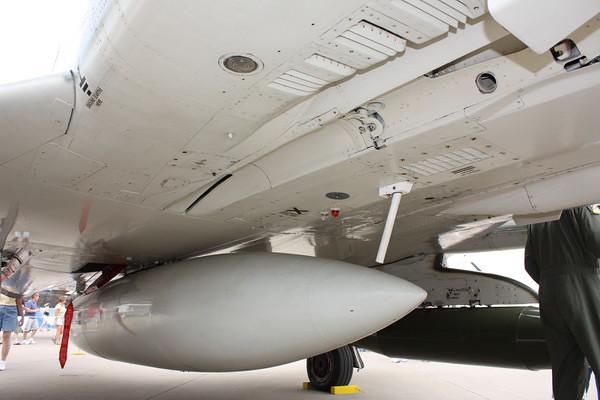 EAA10_F-4E_73