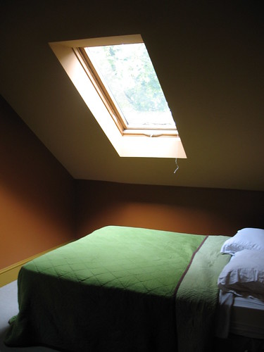 Skylight over bed!!