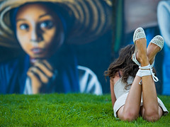 Just out of curiosity (Sator Arepo) Tags: park parque espaa grass spain mural shoes grafitti olympus curiosity 50200mm parc soe lleida mitjana lerida e500 zd reciprocity revolutionofrealwomen 50200mmed chercherlafemme parcdelamitjana gettyimagesspainq1 iberiastreets gettyimagesiberiaq2 retofez110607 gettyimagesiberiaq3 gettyimagesiberiaq12012