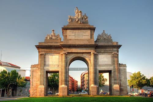 Madrid. Puerta de Toledo. por josemazcona.