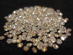 Dreaming of diamonds (Swamibu) Tags: macro pierre diamond 101 solitaire diamant carat brillant prcieuse impressedbeauty pierreprcieuse diamondclassphotographer flickrdiamond excellentphotographerawards popsgallery