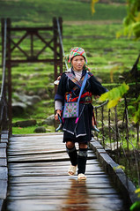 Walking on the Hanging Bridge ( DocBudie) Tags: portrait woman lady rural tourist unescoworldheritagesite unesco worldheritagesite traveller human traveling seller sapa hmong laochai traditionaldress rurallife blackhmong tavan potret northernvietnam tourismdestination hmongtribe humanlife hmonggirl souvenirseller tavanvillage hmongdress vietnamdestination laocaiprovince laochaivillage travelingphotographer sapaphotos bestplacetovisitinvietnam populartraveldestination nortwestvietnam sukudivietnam traditonalcloth stockphotosofvietnam vietnamstockphotos journeytovietnam