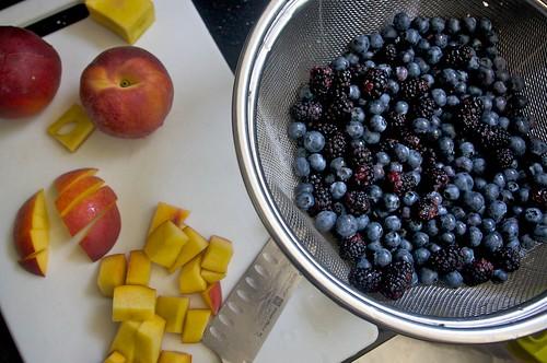 berries & peach choppage