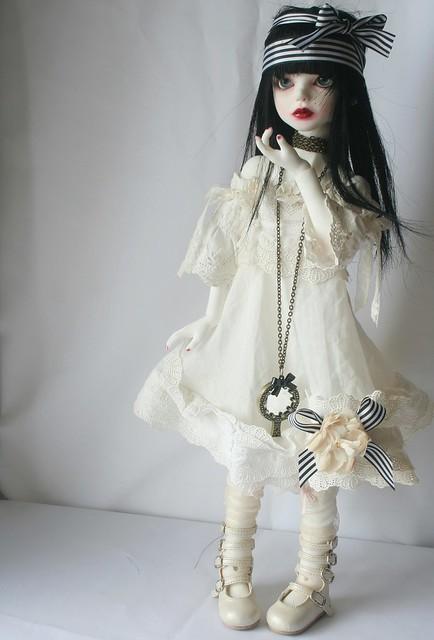 [dust of dolls püns] Eloïse, et le parfum des roses p.32 5128339009_943473bd4b_z