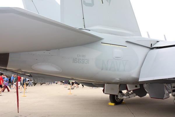 EAA10_EA-18G_36