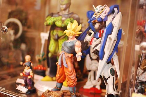 Una tienda de figuritas en Akihabara class=