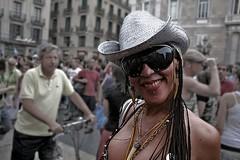 """YO SOY ESA"" (Andreu Fernndez) Tags: barcelona people woman girl train tren gente portrt retratos catalunya sonrisa transexual portret ritratti gent ritratto portree catalua  dona somriure dun retrat ferrocarril portrets gayparade portrt retrats portretas muotokuvia muotokuva portrt portrts portreti   portrtter portreed chn ritratt pasos catalans portrty reteato diaorgullgai diaorgullogay gayparada portretai"