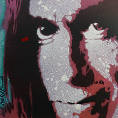 Jef Arosol 2006 - Iggy Pop (Jef Aerosol) Tags: france art painting french artist grafffiti pop spray peinture spraypaint aerosol bombe spraycan alternatives steetart pochoir pochoirs bombage arturbain jefaerosol arosol