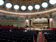 The main concert hall in the Ateneul Romn (Frans.Sellies) Tags: explore organ romania bucharest atheneum romanian orgel bukarest concerthall orgue boekarest rumnien roemeni explored romanianathenaeum buchuresti ateneulromn  outstandingforeignphotographersvisitingromania p1320323