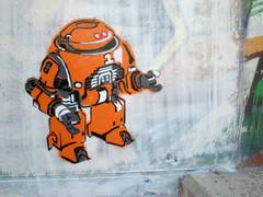 Robot stencil at Difusor (SpUtNik 23 -RUR und MKZ) Tags: barcelona street streetart art spain barcelone espania pochoir difusor rondadelguinard