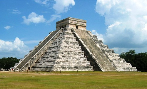 all the differences between mayans and aztecs and incas