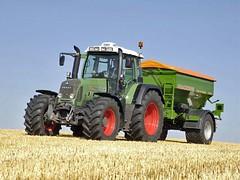 FENDT 700 Vario (sKetch.104) Tags: tractors selo fendt landscapescenery krajolik dinik
